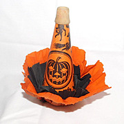 Halloween noisemaker – Paper over Cardboard Horn with skirt – USA 1920s