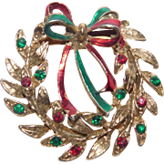 Vintage Holiday gold tone Christmas Wreath with Bow Brooch Pin Very Nice!