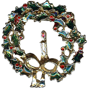 Vintage Holiday gold tone Christmas Wreath with Candle Brooch Pin Very Nice!