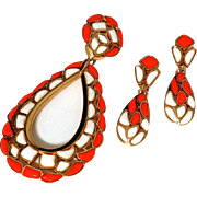 Trifari 'Modern Mosaics' Orange & Milk white poured glass loop pendant necklace and clip earring set - Alfred Philippe designer 1966