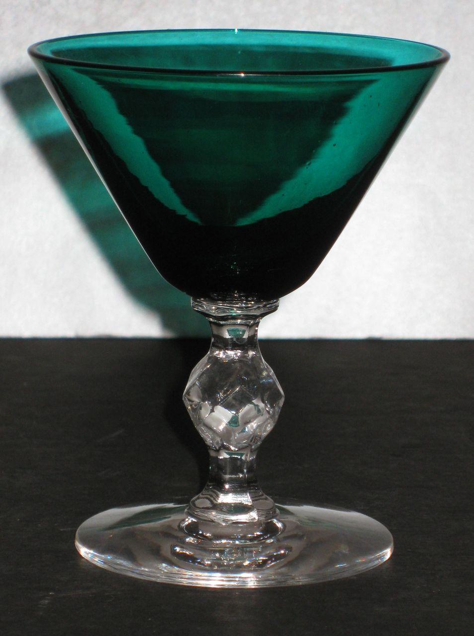 Morgantown Roanoke Wine Glass in Stiegel Green