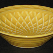 Homer Laughlin Harlequin Basket Weave Nut Dish – yellow