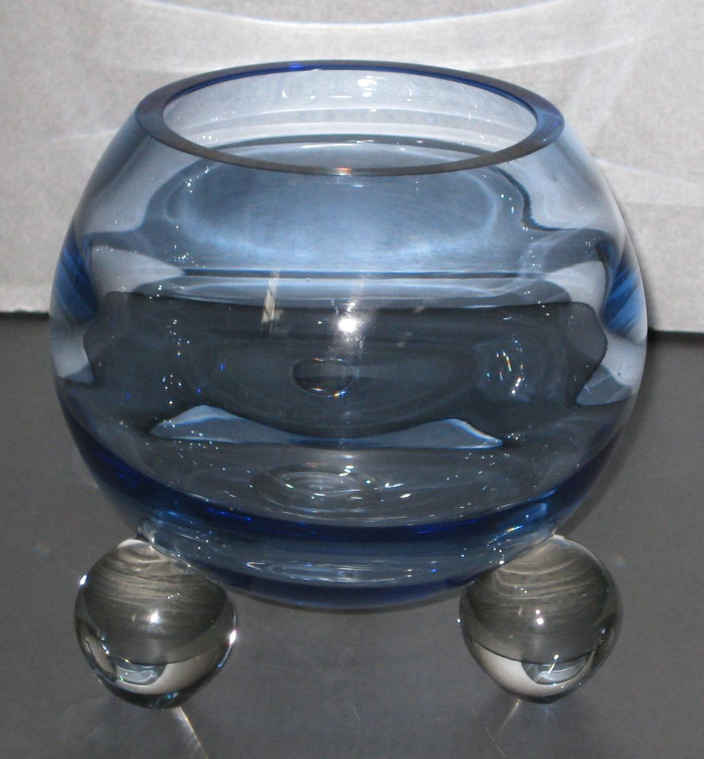 Tiffin 525 Bowl in Copen Blue with Swedish Optic