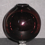 Cambridge 1066 Ivy Ball in Amethyst