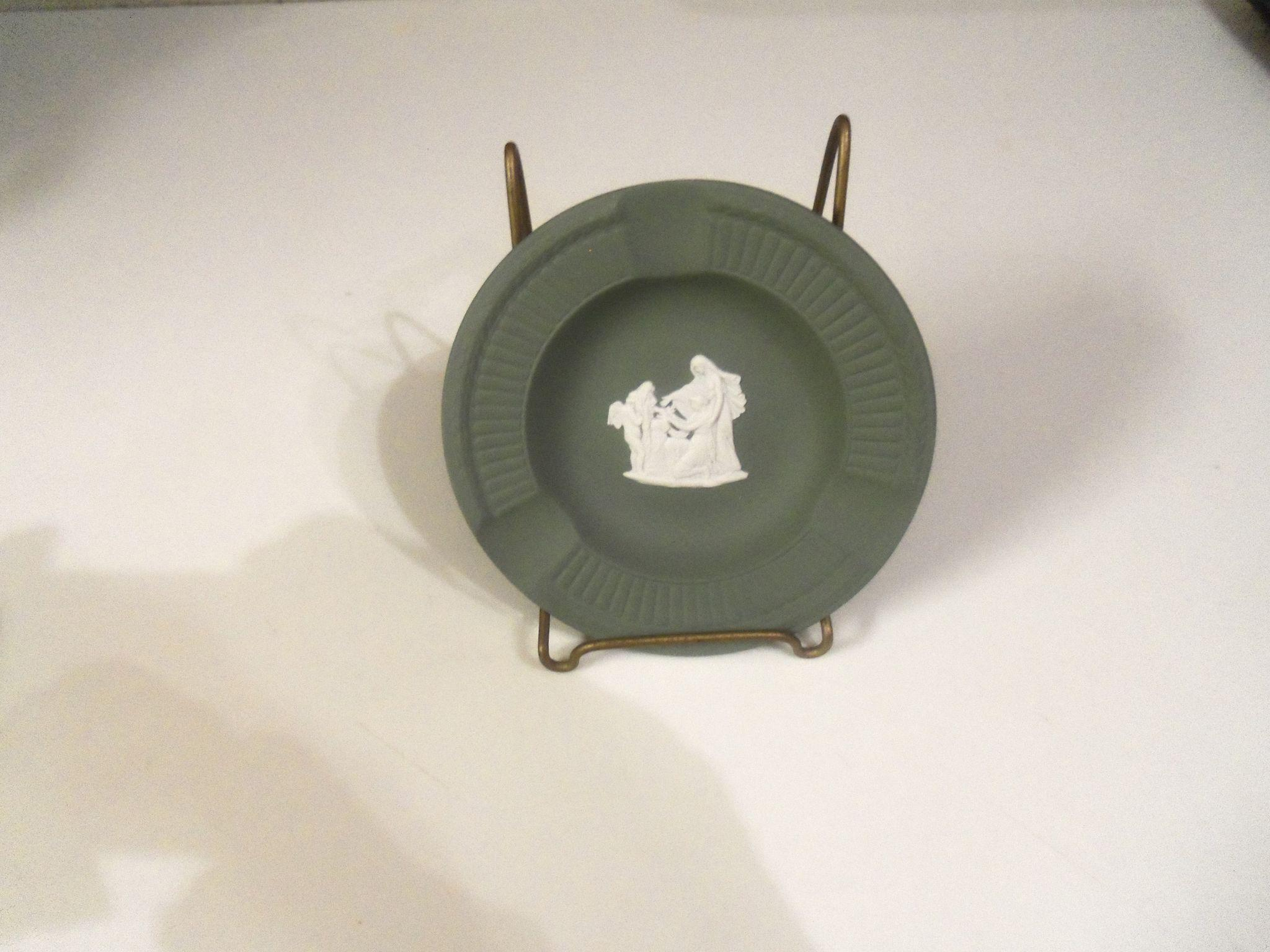 Vintage Wedgwood Sage Green  3 Slots Ash Tray  Original Box and Papers