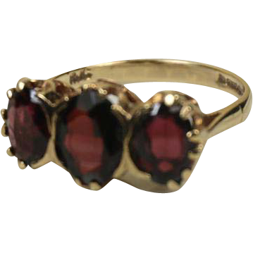 Superb English 9k Gold Three Garnet Ring ~ 1948