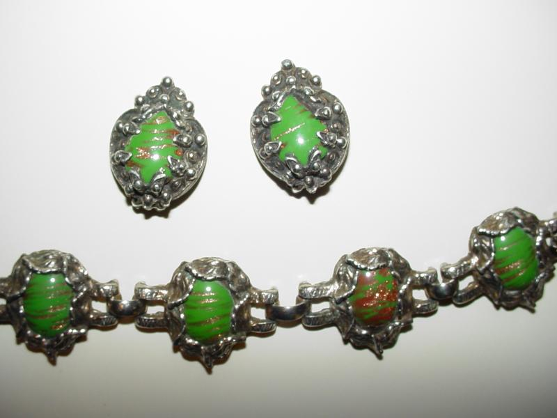 Chunky Green Vintage Bracelet and Earrings