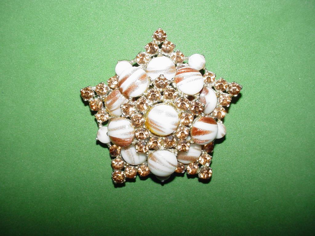 Pomerantz Aventurine Star Brooch