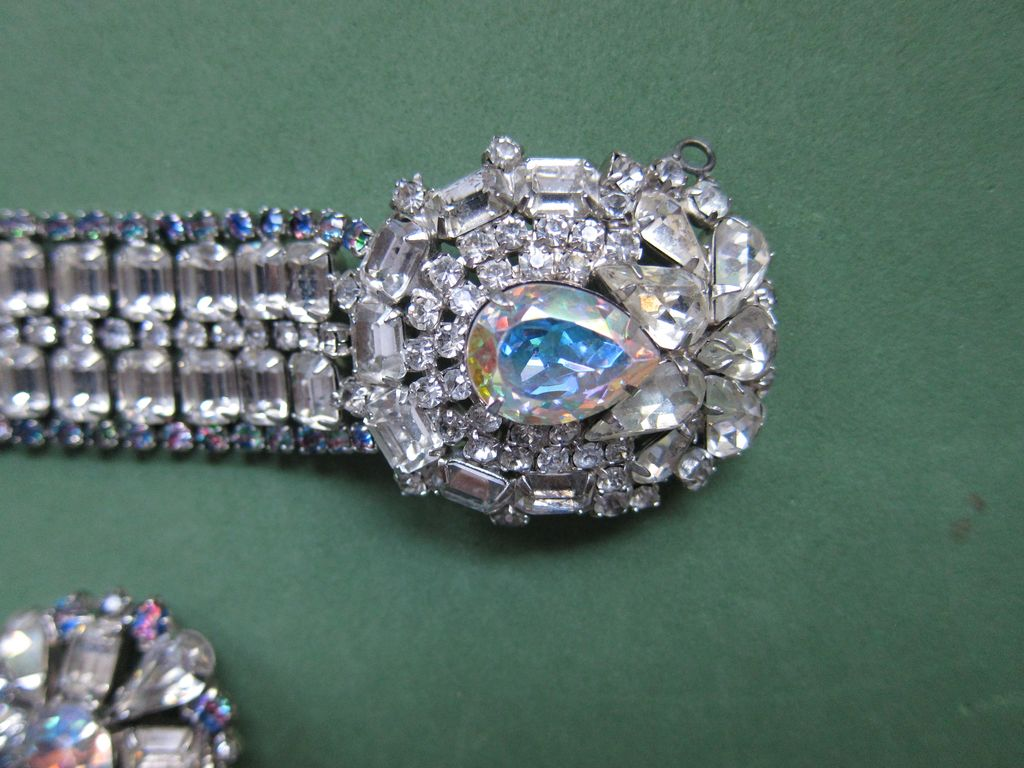 Amazing Hobe Rhinestone Bracelet Set!