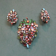 ART Signed Green Leaf Brooch and Earrings