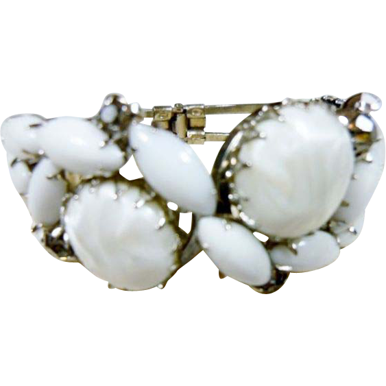 Vintage White Art Glass Chunky Clamper Bracelet
