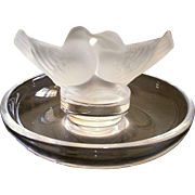 Lalique Ring Holder Love Birds Kissing Doves