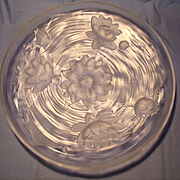 Circa 1930 Verlys Dimensional Center Bowl
