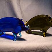 Pair Art Glass Pigs Figurines