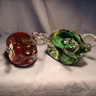Pair of Kerry Glass Pig Figurines