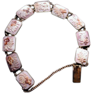 Nice cowrie cameo bracelet with flowers