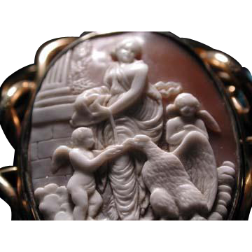 Unusual Hebe cameo with eagle and 2 cherubs-locket