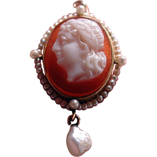 Banded agate cameo pendant with seed pearls