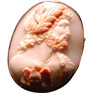 Large horned helmet multicolored cameo of Zeus