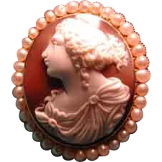 Fabulous high relief cameo with pearl surround