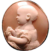 Lovely cameo of Victorian baby with blankie
