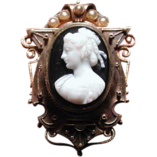 Fabulous banded agate cameo pin with earrings