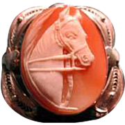 Horse cameo set in filigree frame