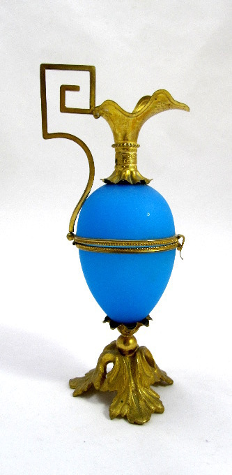 French Palais Royal 19th Century Blue Opaline Egg Ewer