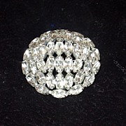 Beautiful Vintage Marquise Domed Weiss Rhinestone brooch