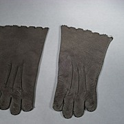Leather Gloves for French Fashion Doll. Gray Kid