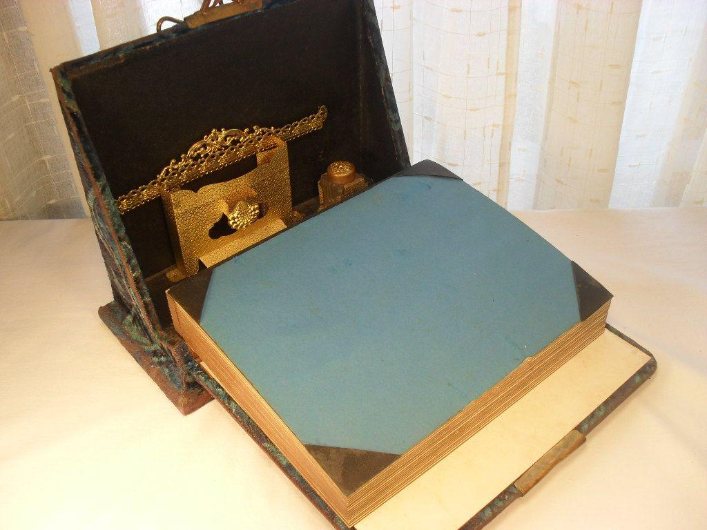 Cut Velvet Photo Album and Lap Desk Combination. Late Victorian Era