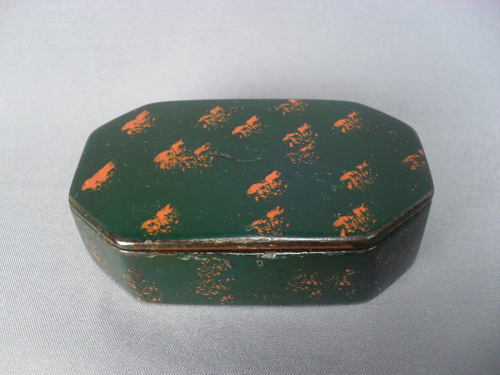 Small Ebonized Papier Mache Snuff Box with Hinged Lid