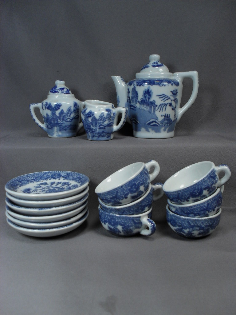 child 39 s tea set early blue willow pattern complete set