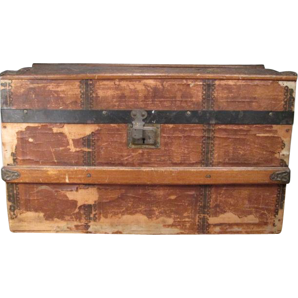 "Lithographed Hump Back Doll Trunk with Tray - Large 18"" Size"