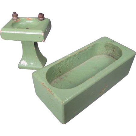"Vintage Dollhouse Furniture - Schoenhut Green Bathroom Tub and Sink- 3/4"" Scale"