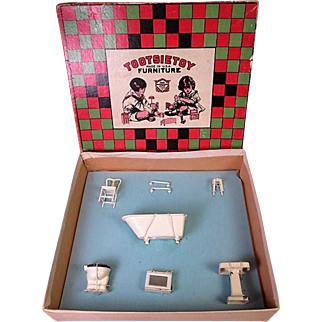 "Tootsietoy Dollhouse Furniture - Early White Bathroom in Original Box - 1/2"" Scale"