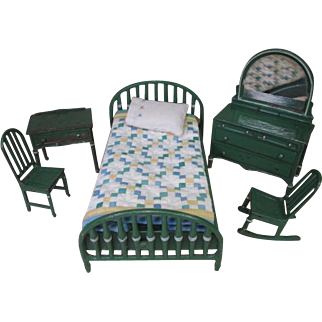 "Arcade Vintage Metal Dollhouse Furniture - Complete Bedroom Set in Green - 1 1/2"" Scale"