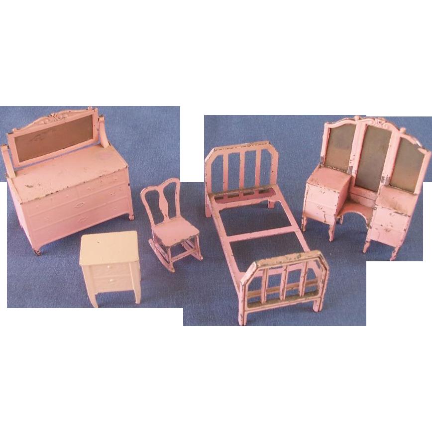 Five Piece Tootsietoy Bedroom Furniture