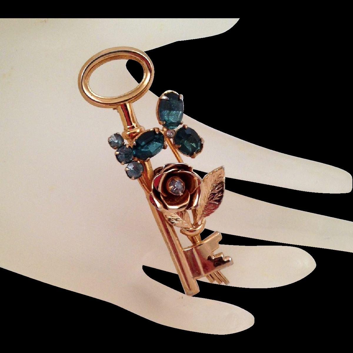 Coro Pegasus Vintage Key Brooch Blue Rhinestones Goldtone