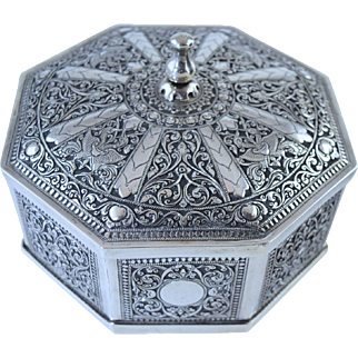 Antique Kutch Colonial Indian Silver Octagonal Box Hinged Lid Hallmarked 580g