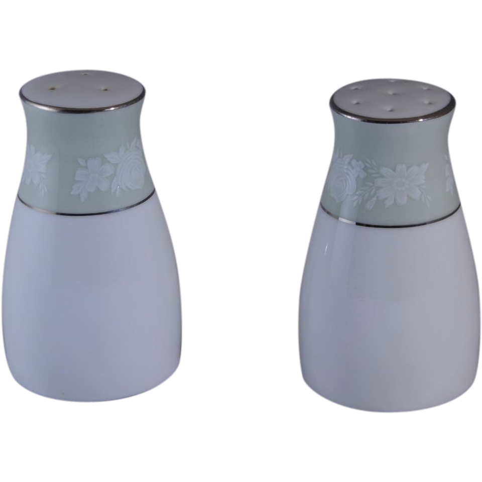 Noritake Vienne Salt and Pepper Set