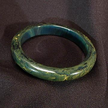 Petite Smooth Green Marbled Bakelite Bangle