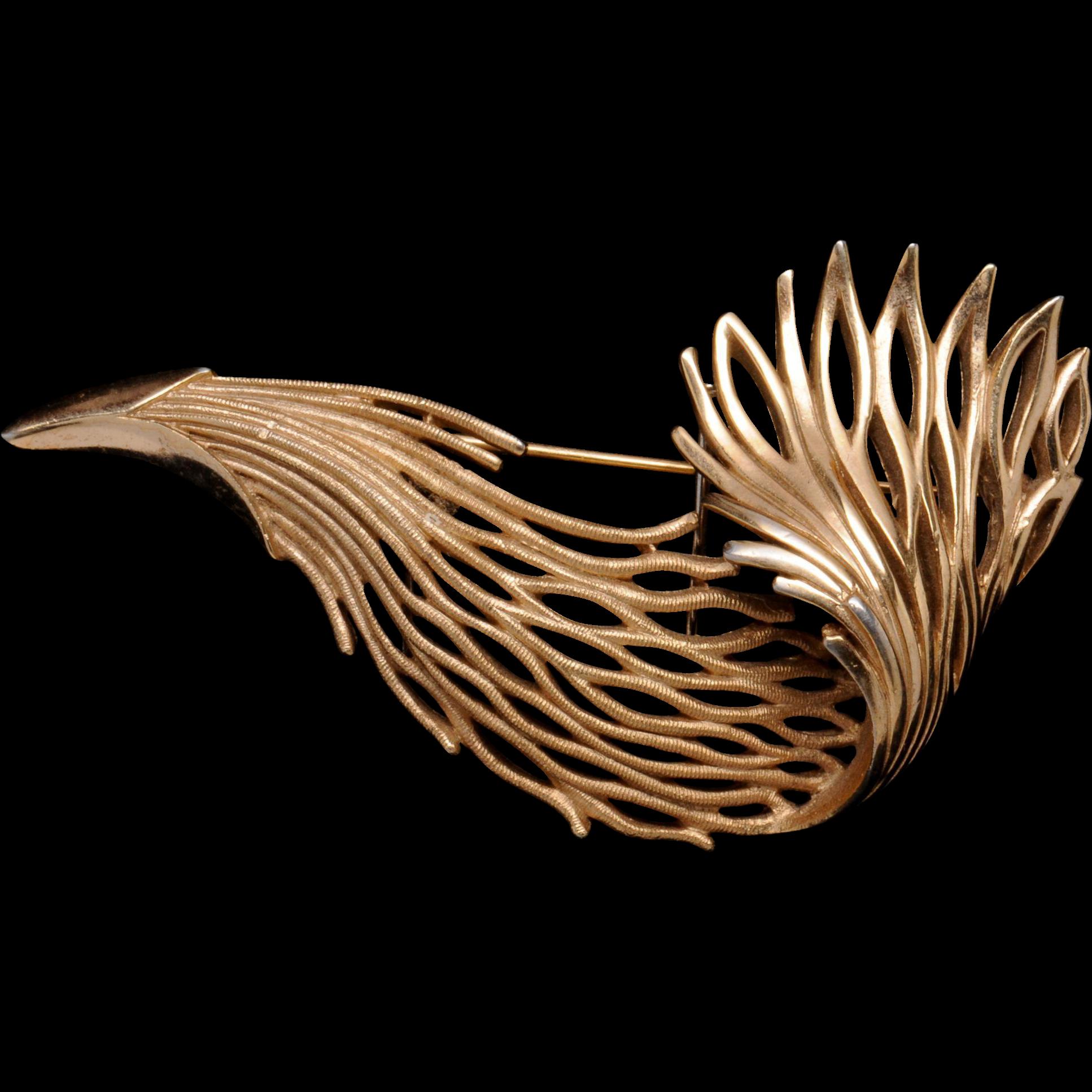 Graceful Vintage Trifari Seaweed Pin Brooch