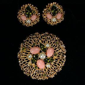 Sarah Coventry Fashion Splendor Pin and Earrings Set