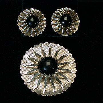 Sarah Coventry Black Beauty Pin and Earrings Set