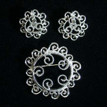 Sarah Coventry Silvery Mist Earrings and Pin Set