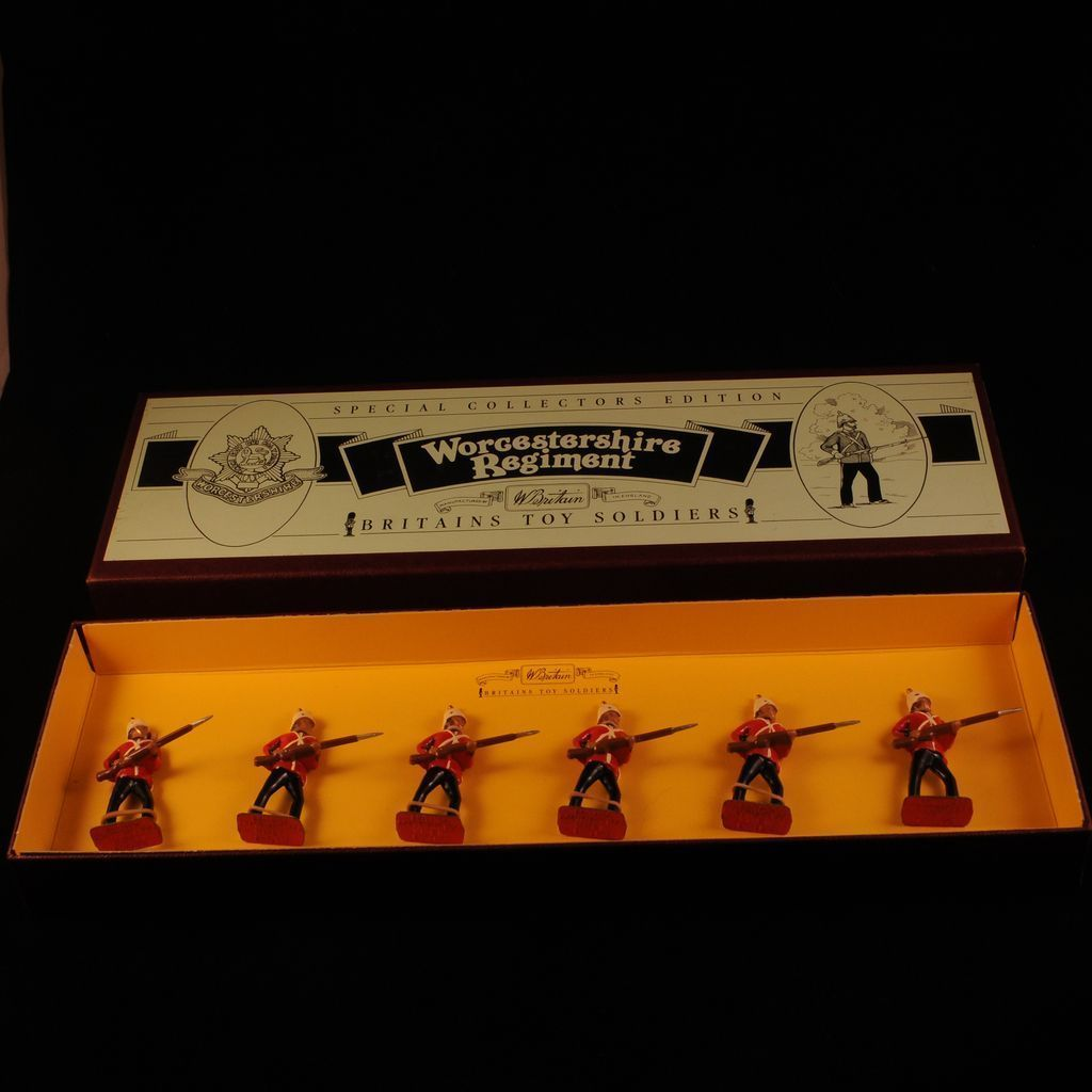 Britains New Metal Set 8802 Worcestershire Regiment