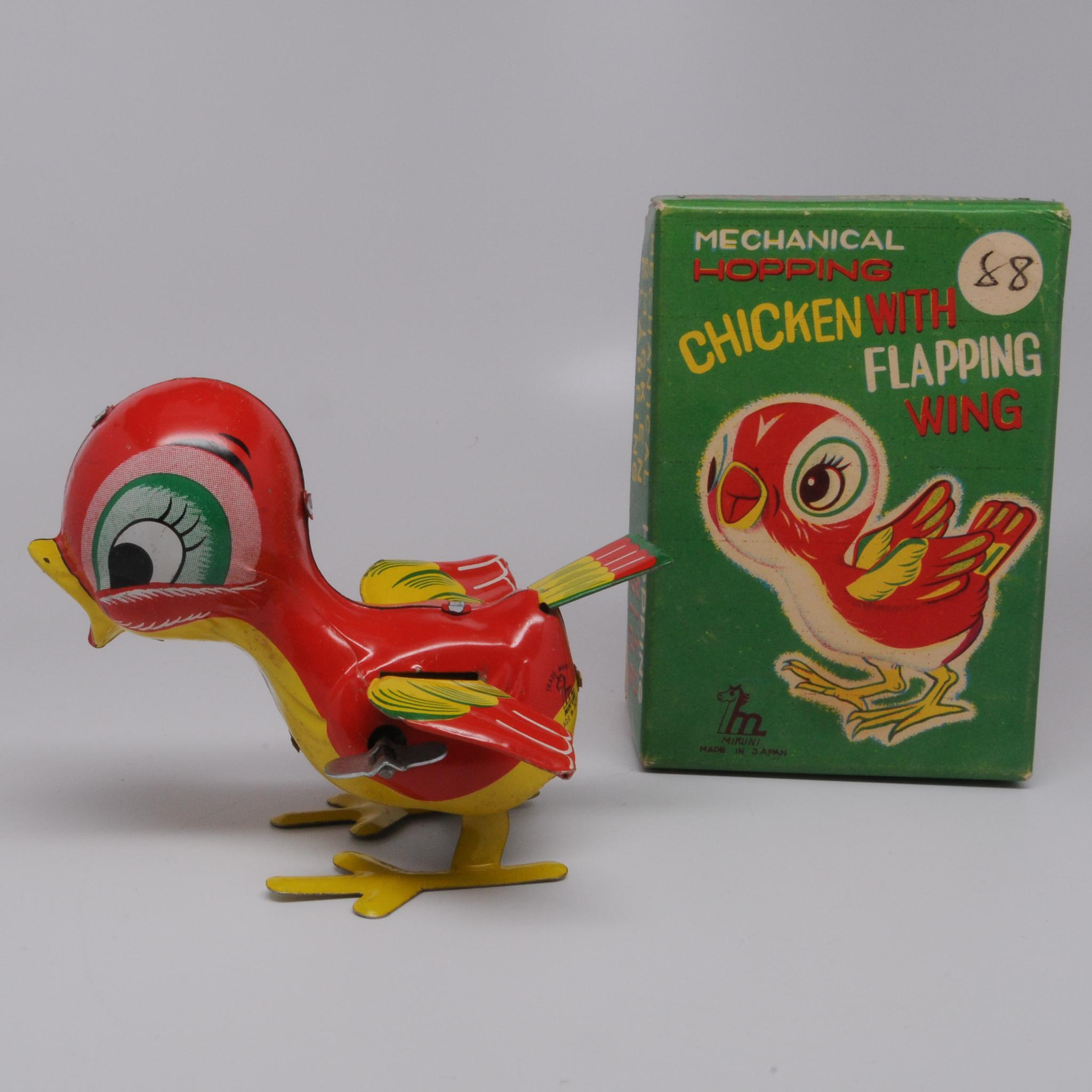 Cute Wind up Chicken with Flapping Wings Mikuni Japan