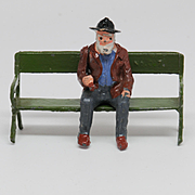 Britains 555 Aged Villager Man with Pipe with 017 Park Seat
