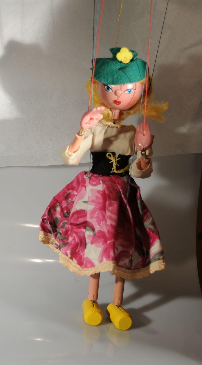 Vintage Pelham Puppet Marionette Mitzi : Great Toys